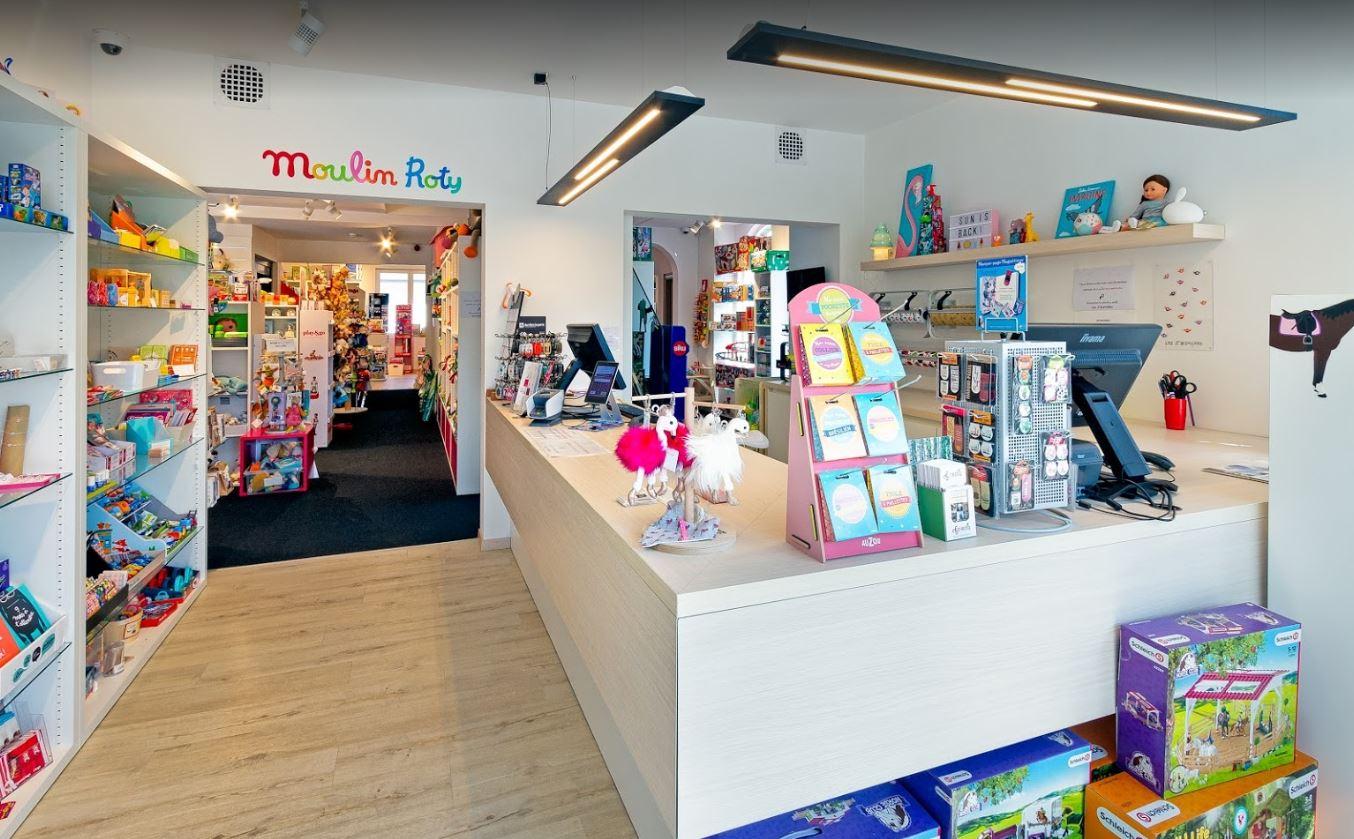 interieur-magasin-de-jouets-leszarsouill
